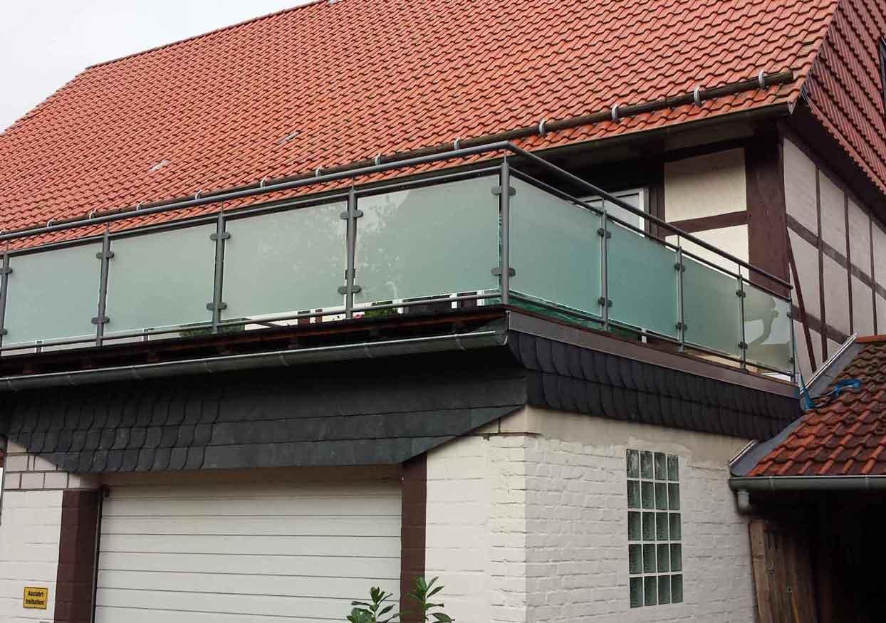 Hirsch Metallbau Balkongeländer 014 - Balkongeländer-14