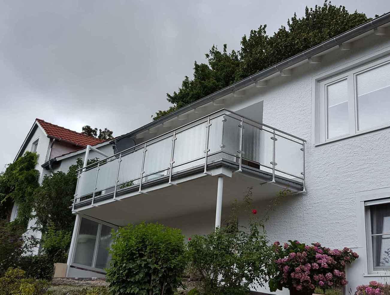 Hirsch Metallbau Balkongeländer 015 - Balkongeländer-15