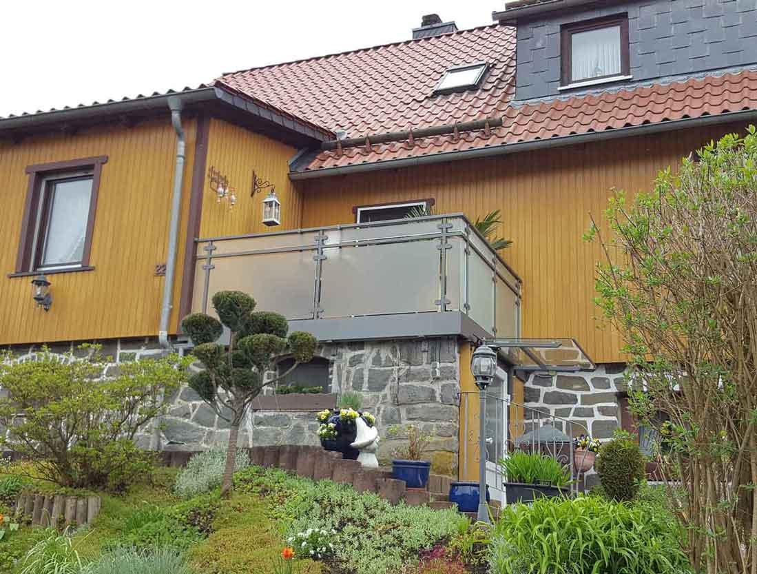 Hirsch Metallbau Balkongeländer 024 - Referenzen alle
