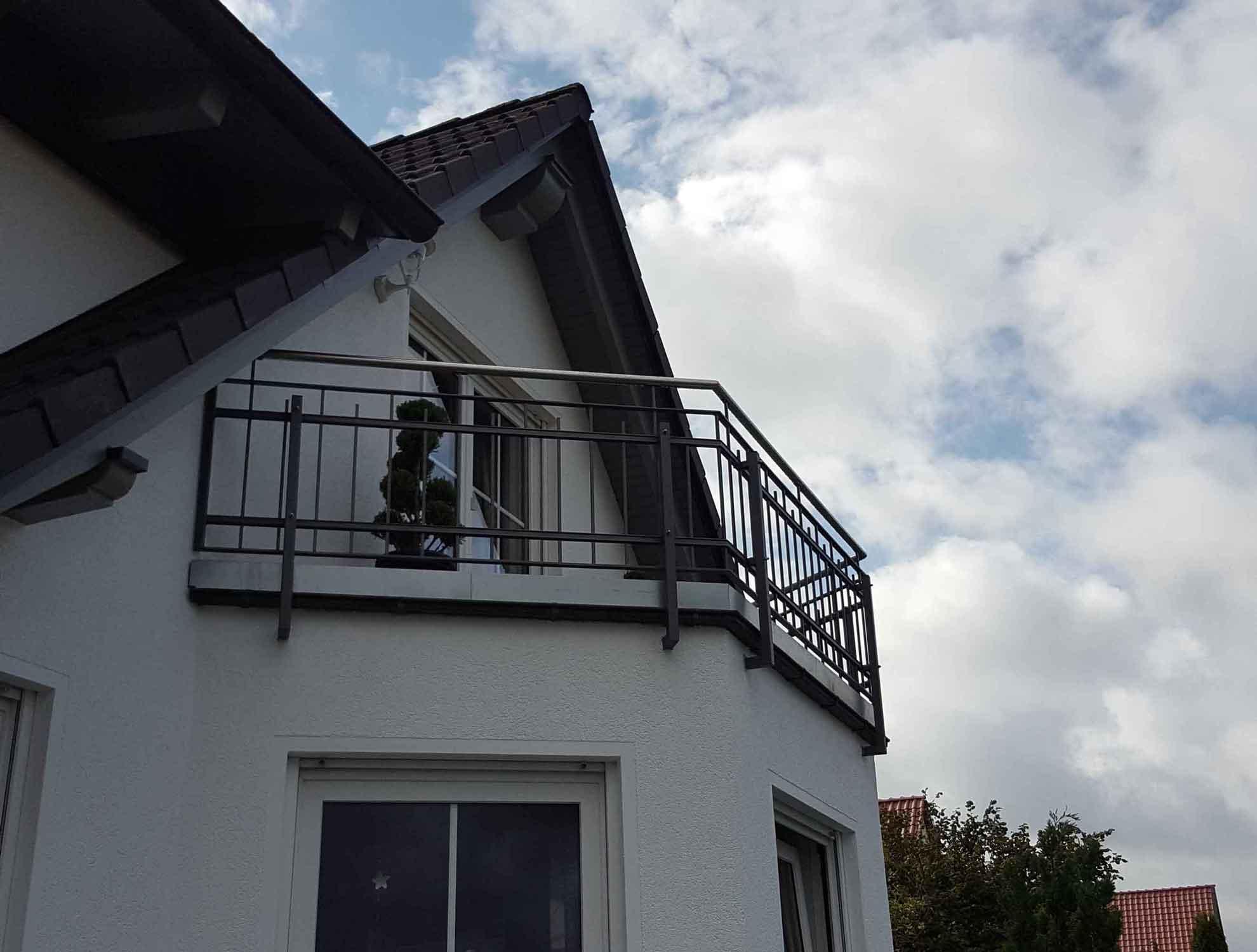 Hirsch Metallbau Balkongeländer 037 - Balkongeländer-37