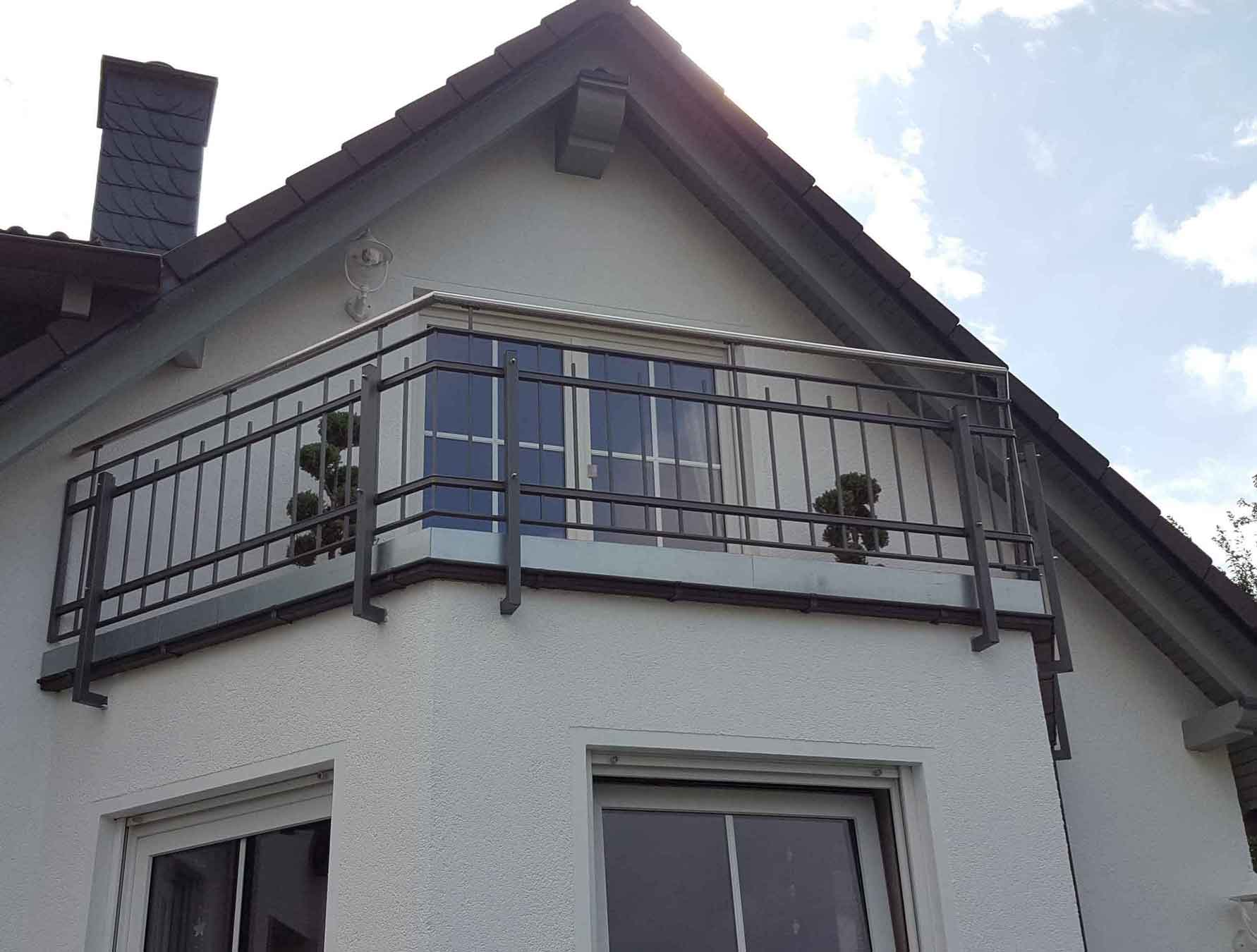 Hirsch Metallbau Balkongeländer 038 - Balkongeländer