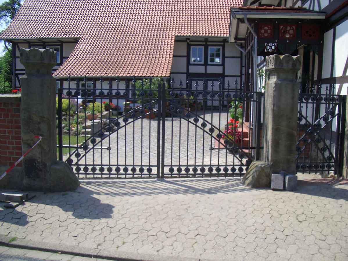 Hirsch Metallbau Zäune Tore 002 - Zäune-Tore-02