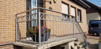 Hirsch Metallbau Treppengeländer 022 400x194 - Treppengeländer