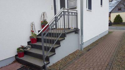 Hirsch Metallbau Treppengeländer 031 400x225 - Treppengeländer