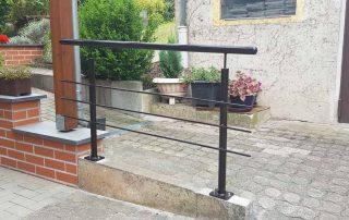 Hirsch Metallbau Handlauf 011 320x202 - Treppen-16