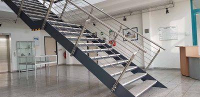 Hirsch Metallbau Treppengeländer 036 400x194 - Treppengeländer