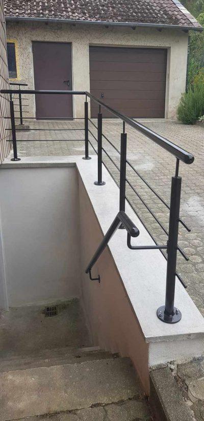 Hirsch Metallbau Treppengeländer 038 400x823 - Treppengeländer