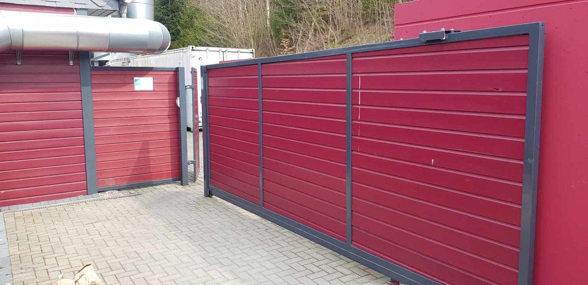 Hirsch Metallbau Zäune Tore 088 1200x583 - ZÄUNE & TORE