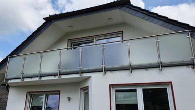 Hirsch Metallbau Balkongeländer 082 400x225 - Balkongeländer