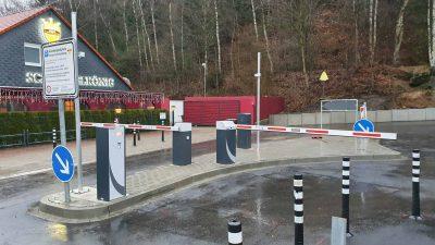 Hirsch Metallbau Schrankenanlage 001 400x225 - SCHRANKENANLAGEN