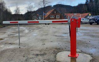 Hirsch Metallbau Schrankenanlage 003 320x202 - Zäune-Tore-17