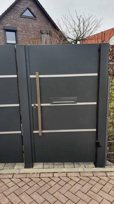 Hirsch Metallbau Zäune Tore 105 400x711 - ZÄUNE & TORE