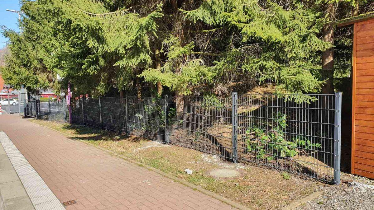 Hirsch Metallbau Zäune Tore 108 1200x675 - ZÄUNE & TORE