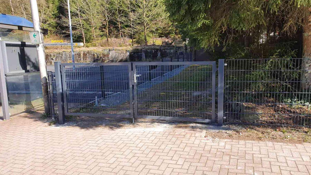 Hirsch Metallbau Zäune Tore 109 1200x675 - ZÄUNE & TORE